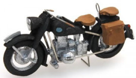 AR387.67 BMW R75 civil