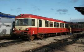 HJ2611 Autorail EAD X 4500, SNCF, livrée rouge et beige
