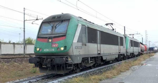 HJ2399S Locomotive électrique BB 436339 de la SNCF livrée verte