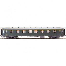 MW 40205 Voiture OCEM première classe A8 livrée verte, châssis gris, toit vert, bouts noirs, marquage 1964 n°3289