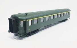HO42238 Voiture OCEM première classe A9smyfi 5593 livrée SUD-EST du dépôt de CROIX-BARRET