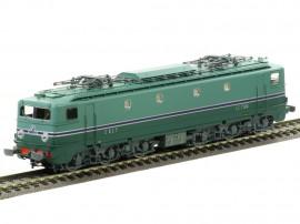 MB-060.S Locomotive électrique CC 7104 avec jupe échancrée livrée Sud-Ouest du dépôt de Paris SO
