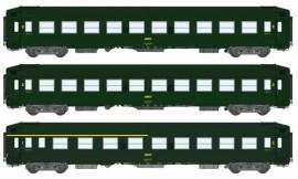 VB-185 - Coffret de 3 voitures couchette UIC livrée verte avec logo jaune encadré et châssis gris